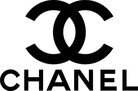 c6af345b8c ... Chanel tiene boutiques alrededor del mundo en exclusivas zonas  comerciales y realiza sus desfiles en las más importantes capitales de la  moda.