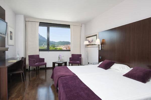 Top 10 mejores hoteles con spa en espa a top 10 listas for Hoteles minimalistas en espana